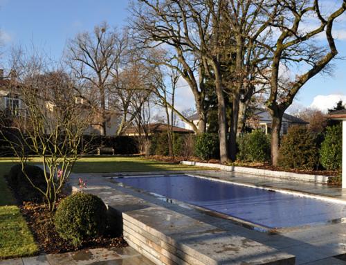 Hausgarten mit Biopool